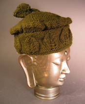 Green Knitted Hat with Leaf Motif